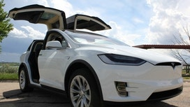 Tesla Cuts Starting Price of Model X Crossover