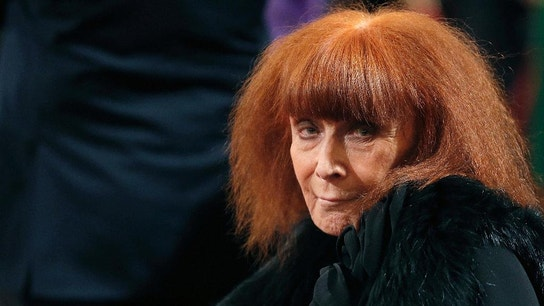 Designer Sonia Rykiel, known for a relaxed style, dies at 86