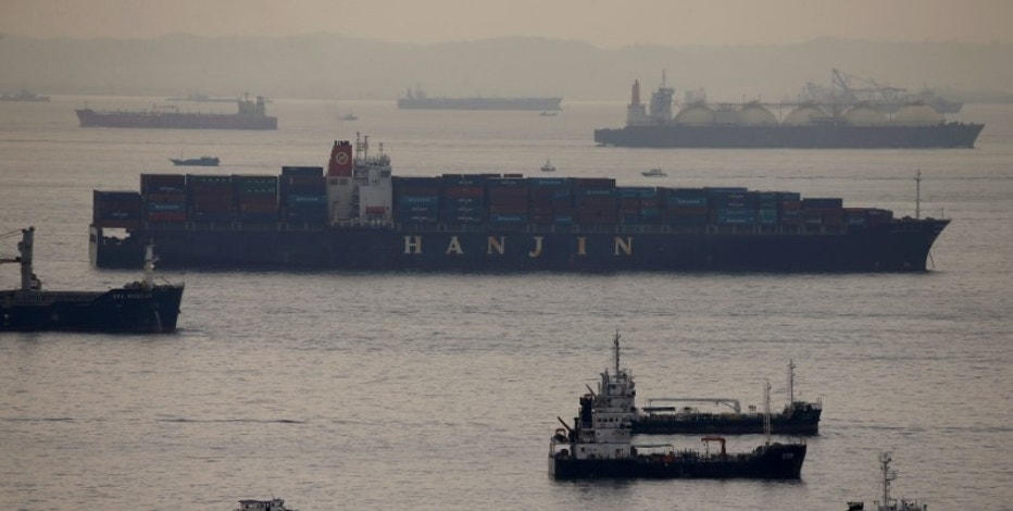Container vessel Hanjin Rome sits in the eastern anchorage area in Singapore September 9, 2016. REUTERS/Edgar Su/File Photo