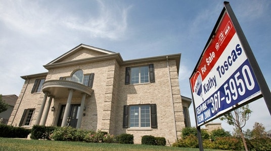 New Home Sales Fall Less Than Expected in August