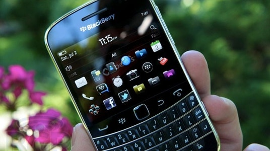 BlackBerry Revenue Sumps&#x3b; to Outsource Hardware