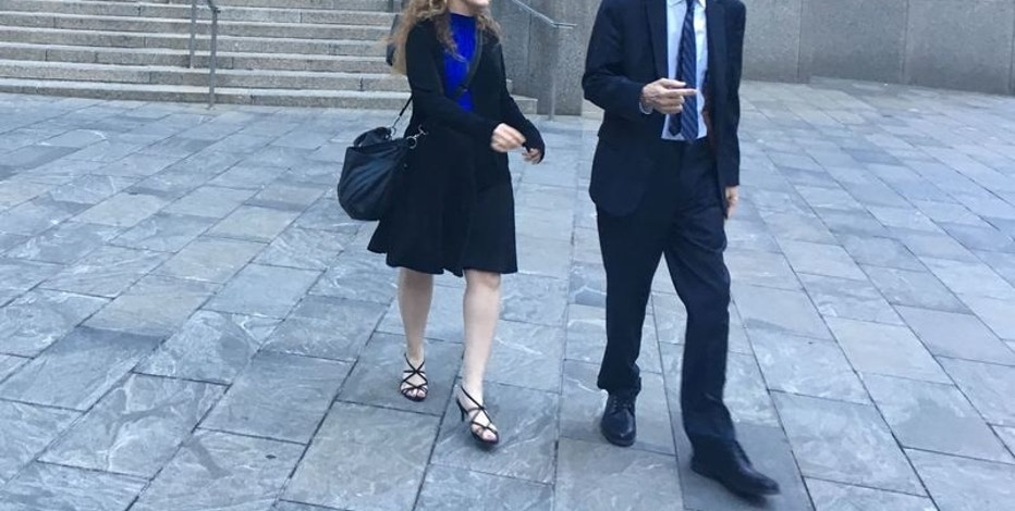 Former Gerova Financial Group Ltd president Gary Hirst (R), on trial for securities fraud walks outside Manhattan Federal Court in New York, U.S. September 22, 2016. Picture taken on September 22, 2016.  REUTERS/Nate Raymond/File Photo - RTSPX99