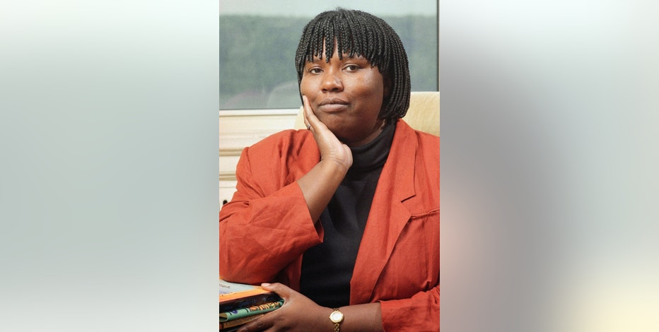 "FILE - In this Oct. 9, 1992 file photo, Gloria Naylor, author of ""The Women of Brewster Place,"" poses at her home in New York. Naylor's death was confirmed, Monday, Oct. 3, 2016, by Cara Reilly, an assistant at the literary agency Sterling Lord Literistic. Reilly provided no other details. Naylor was 66. (AP Photo/Tom Keller, File)"