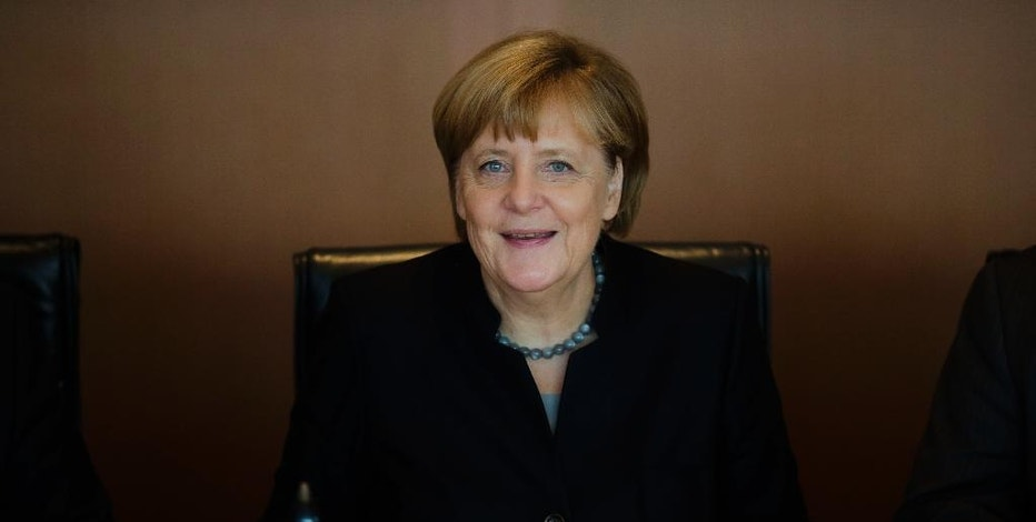 German Chancellor Angela Merkel leads the weekly cabinet meeting of the German government at the chancellery in Berlin, Wednesday, Oct. 5, 2016. (AP Photo/Markus Schreiber)