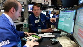 Wall St Rises on Energy, Apple Boost