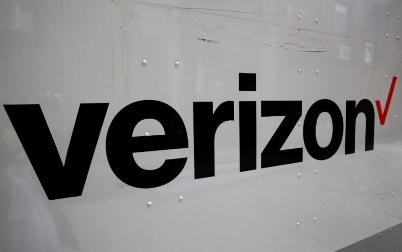 news verizon yahoo deal doomed hack material