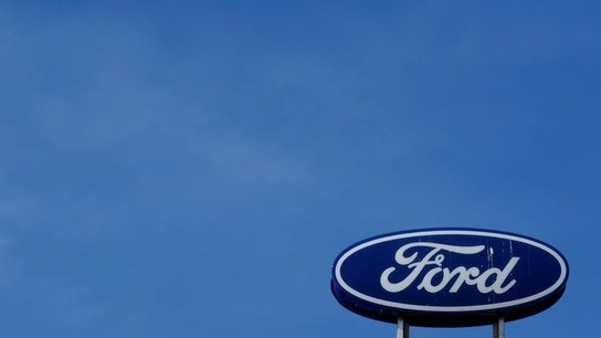 Ford, GM pitch new strategies&#x3b; Wall Street snubs them