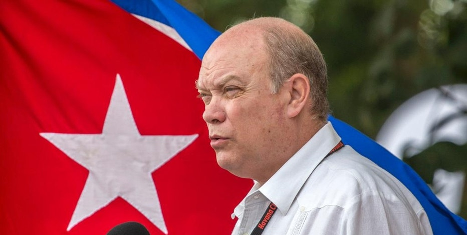 Cuba's Minister of Foreign Trade Rodrigo Malmierca makes the opening speech for the 34th Trade Fair in Havana, Cuba, Monday, Oct. 31, 2016. A week-long event of commerce is under way with participants from 75 countries. (AP Photo/Desmond Boylan)