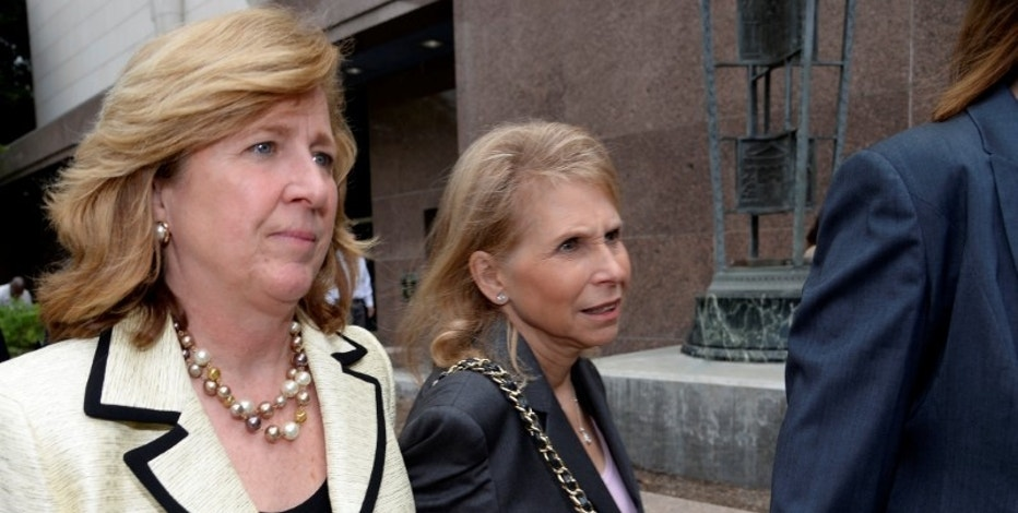 Sumner Redstone's daughter Shari Redstone (R) and her attorney Elizabeth Burnett leave a downtown courthouse where her father's former girlfriend Manuela Herzer is suing the 92 year-old controlling shareholder of Viacom and CBS in Los Angeles, California May 6, 2016.    REUTERS/Kevork Djansezian