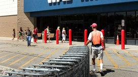 Wal-Mart's Ho-Hum 3Q Report Sparks Some Selling