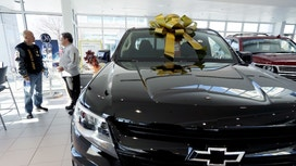 Auto Sales Ride Wave of Holiday Deals