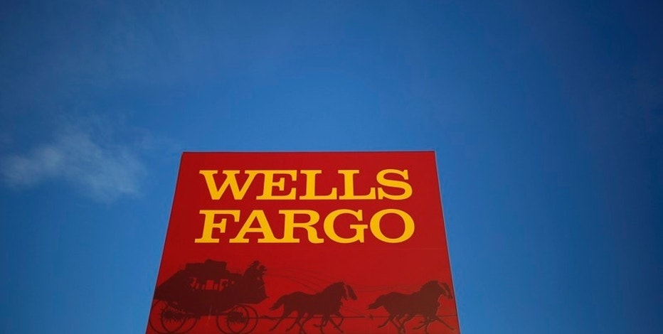A Wells Fargo branch is seen in the Chicago suburb of Evanston, Illinois, U.S. on February 10, 2015.  REUTERS/Jim Young/File Photo