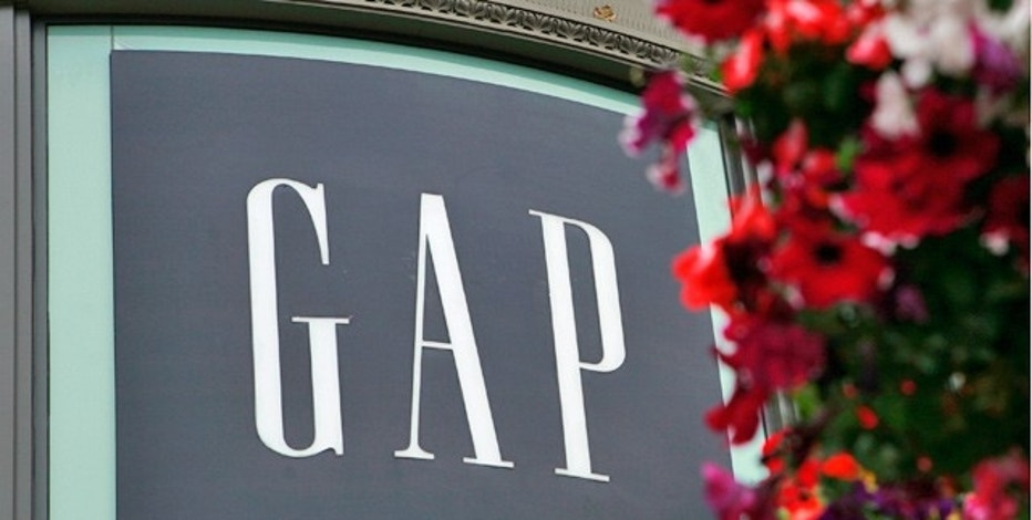 Gap comparable sale rise 2 percent during holiday season