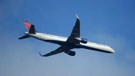 Delta meets 4Q profit forecasts