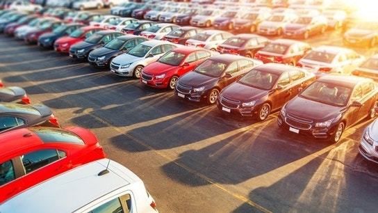 2 Critical Factors for the Auto Industry in 2017