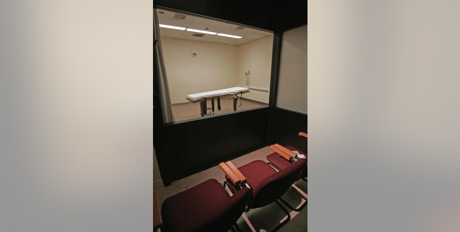 FILE – This November 2005 file photo shows the death chamber at the Southern Ohio Corrections Facility in Lucasville, Ohio. A federal judge declared Ohio's latest lethal injection procedure unconstitutional on Thursday, Jan. 26, 2017, and the ruling that may pose problems for states that use the disputed sedative midazolam, including Alabama, Oklahoma and Virginia. (AP Photo/Kiichiro Sato, File)