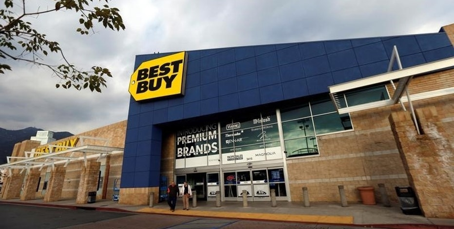 A Best Buy store is pictured in Pasadena, California U.S., February 28, 2017.   REUTERS/Mario Anzuoni