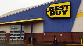 Best Buy Reports Drop in Same-Store Sales, Shares Sink