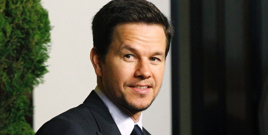 Actor Mark Wahlberg attends the nominees luncheon for the 83rd annual Academy Awards in Beverly Hills, California February 7, 2011. REUTERS/Mario Anzuoni (UNITED STATES - Tags: ENTERTAINMENT) - RTXXL2N