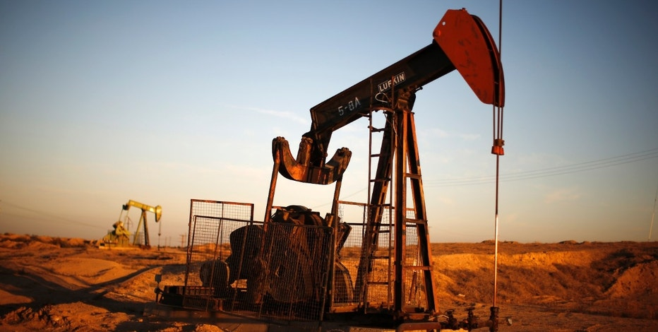 Oil prices end at highest level in about three weeks