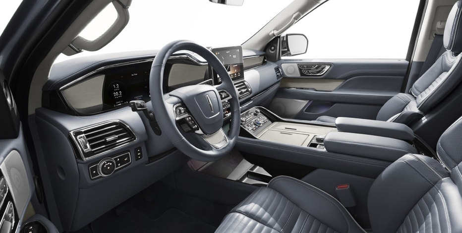 Interior of the 2018 Lincoln Navigator