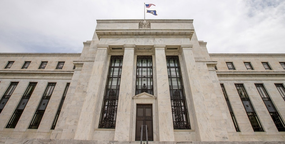Fed survey finds moderate economic growth in spring