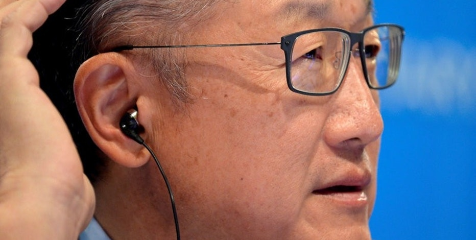 World Bank President Jim Yong Kim cups his ear as he listens to a question by a reporter during a press briefing to open the IMF and World Bank's 2017 Annual Spring Meetings in Washington, U.S. April 20, 2017.   REUTERS/Mike Theiler