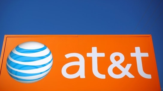 AT&T Unexpectedly Loses Postpaid Subscribers in First Quarter