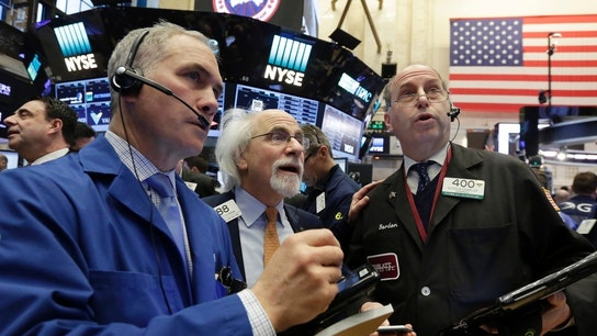 S&P 500, Dow End Session Flat, Tech Boosts Nasdaq