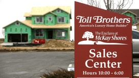 Toll Brothers quarterly profit rises 40%