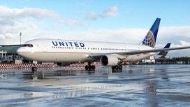 Disgruntled employees grill United at shareholders meeting