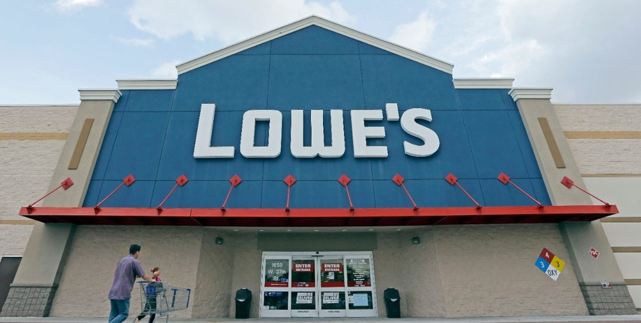 Lowe's weak quarter stands in stark contrast to retail rival