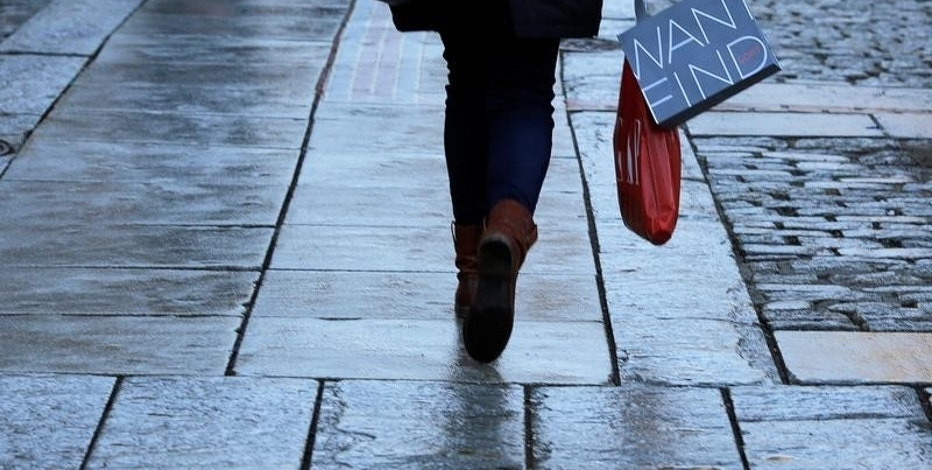 Consumer confidence slips in May but still at high levels