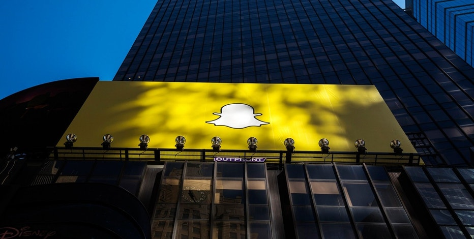 Time Warner signs deal to develop shows for Snapchat