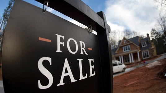 Pending home sales hit by supply shortage