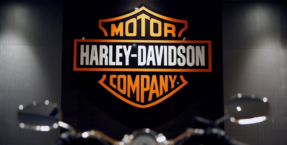A Harley-Davidson bike is displayed in their office in Singapore October 13, 2016.    REUTERS/Edgar Su/File Photo - RTX2PCN3