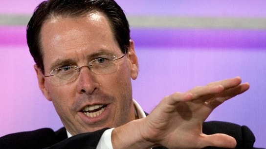 AT&T CEO:Time Warner deal on track for year-end close