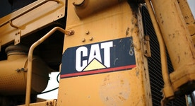 Caterpillar bulldozes estimates on strength in construction, mining
