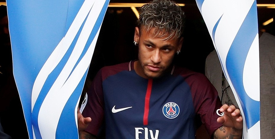 Soccer Football - Paris Saint-Germain F.C. - Neymar Jr Press Conference - Paris, France - August 4, 2017   New Paris Saint-Germain signing Neymar Jr   REUTERS/Christian Hartmann - RTS1ADLL
