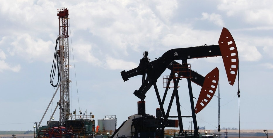 Oil prices decline after inventory data