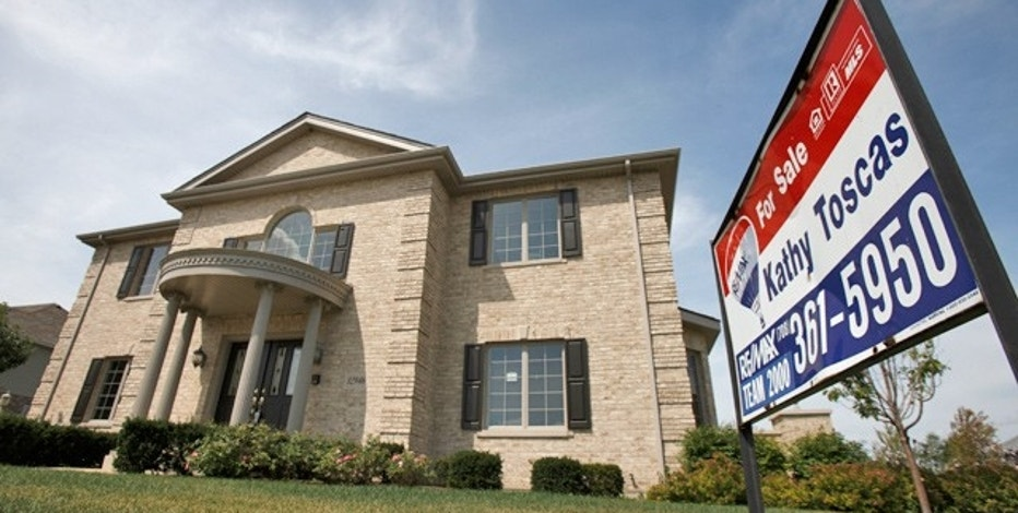 USA  pending home sales fall in July