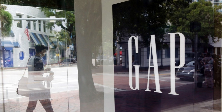Gap to close 200 stores, open others