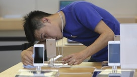 China challenge for the iPhone X: Ending Apple's long sales slide