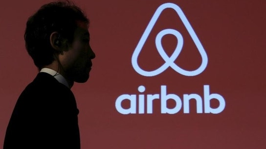 Airbnb now allowing users to make restaurant reservations through app