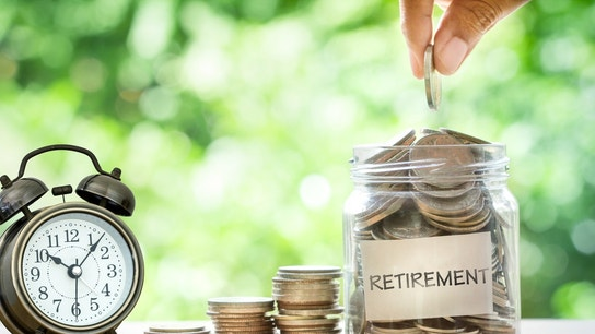 Here's how to maximize your retirement savings, whether or not you have a 401(k)