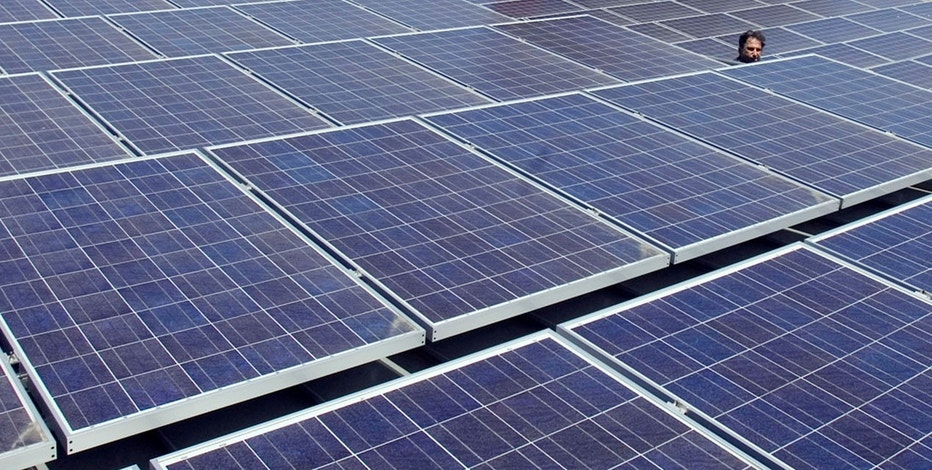 U.S. solar installations to fall more than expected in 2017 (foxbusiness.com)