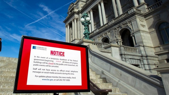 Government still shut down on Monday as U.S. Senate fails to clinch deal