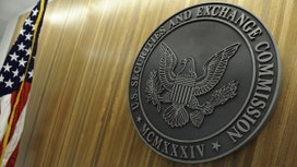 SEC Gives OK to Online Investor Crowdfunding