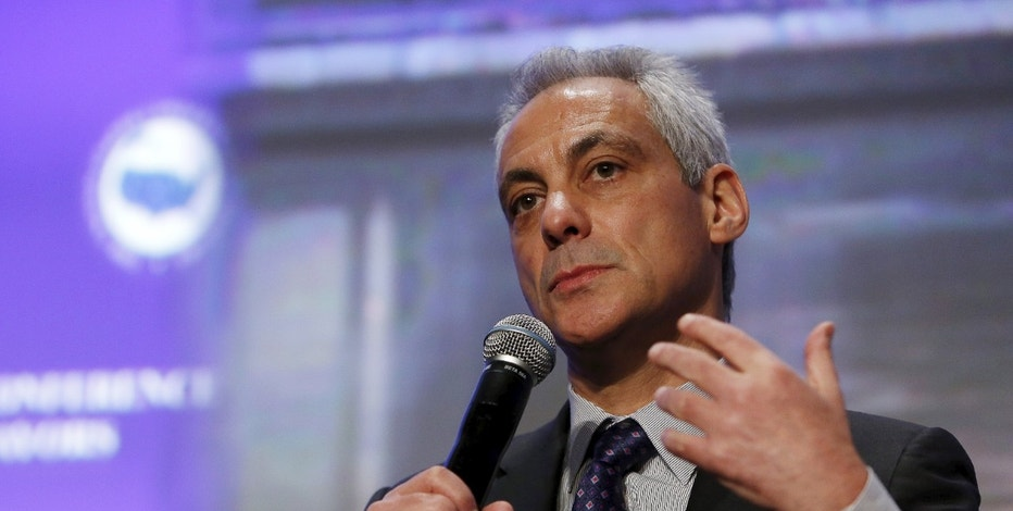 Chicago Mayor Rahm Emanuel participates in a panel discussion on Reducing Violence and Strengthening Policy and Community Trust at the U.S. Conference of Mayors in Washington January 20, 2016.   REUTERS/Gary Cameron     - RTX239PV