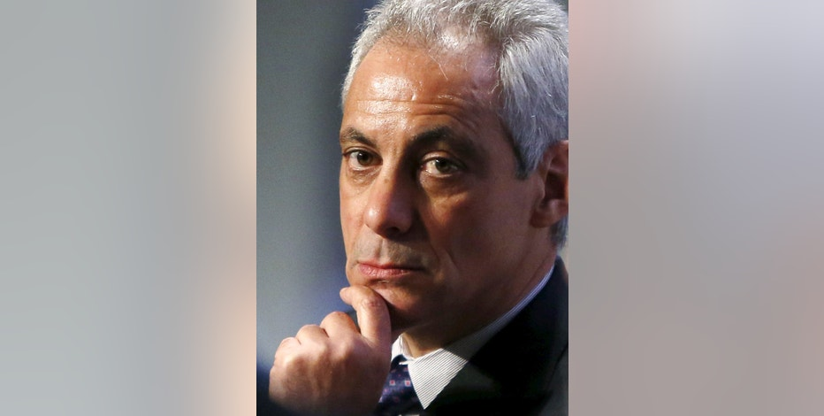 Chicago Mayor Rahm Emanuel participates in a panel discussion on Reducing Violence and Strengthening Policy and Community Trust at the U.S. Conference of Mayors in Washington January 20, 2016. REUTERS/Gary Cameron - RTX239TU